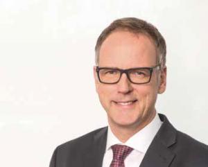 Als Mitglied des Markt- und Produktausschusses der Sparkasse Bremen entscheidet Frank Gobrecht auch über die Auswahl der Wertpapierempfehlungen für den Privatkundenbereich.