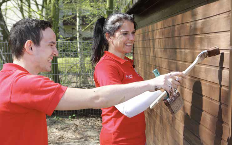 """Ein weiteres Team der Sparkasse Bremen unterstützte für einen Tag das Huchtinger Kinder- und Familienzentrum """"Blanker Hans""""."""