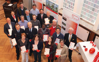 """Engagiert vor Ort: Jeweils 18.250 Euro verteilte die Sparkasse Bremen im Rahmen der Stadtteilinitiative """"gemeinsam gut!"""" an die 17 Gewinnerprojekte aus Bremen-Mitte."""