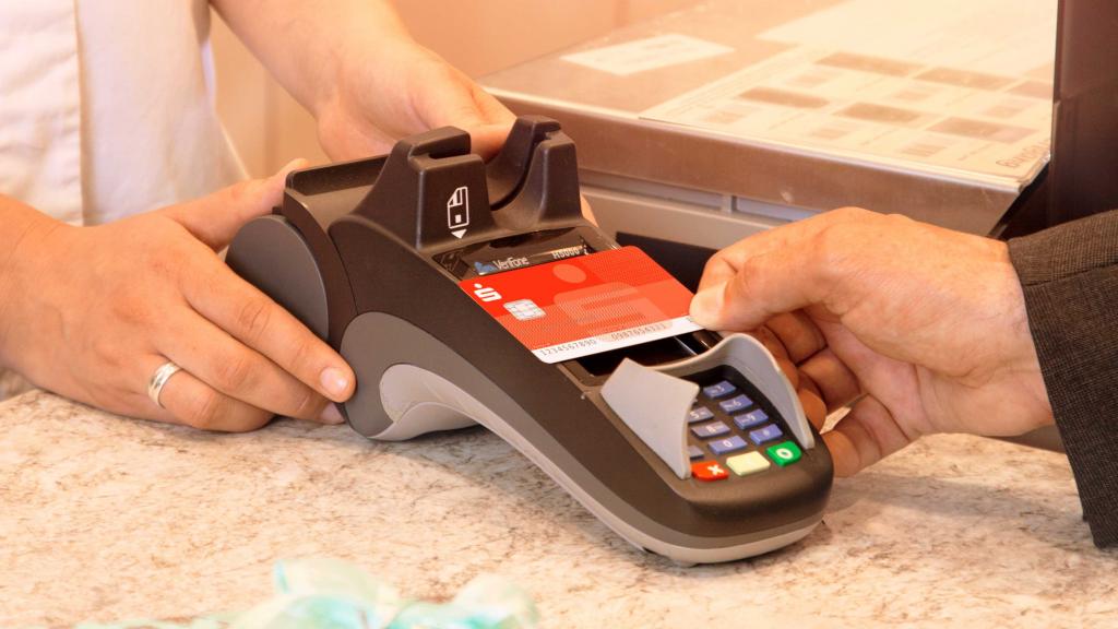 Sparkassen-Card vor Bezahlterminal