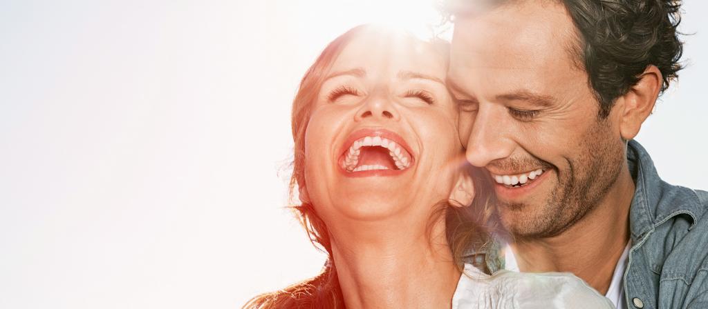 Gesunde Zähne lassen Sie schöner lächeln.
