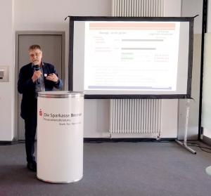 Prof. Dr. Kubicek stellt seine Studie vor