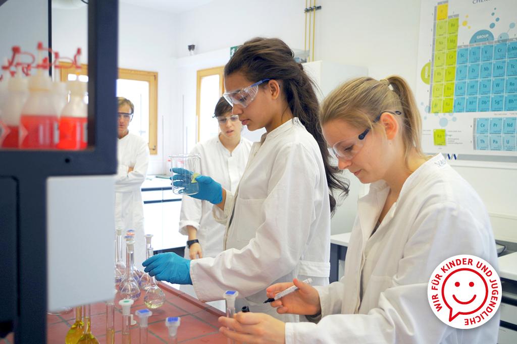 Während der Sommerakademie der Universität Bremen können Jugendliche eine Woche lang Neues erforschen.
