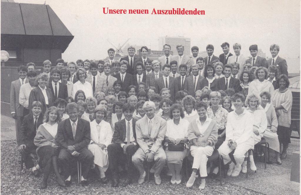Der Ausbildungsjahrgang 1986 auf der Dachterasse der Sparkasse Bremen, Hauptgebäude Am Brill (c) Sparkasse Bremen